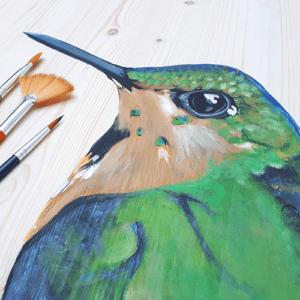 Beschilderde uitvaartkist door Vanessa van Munster - vogel