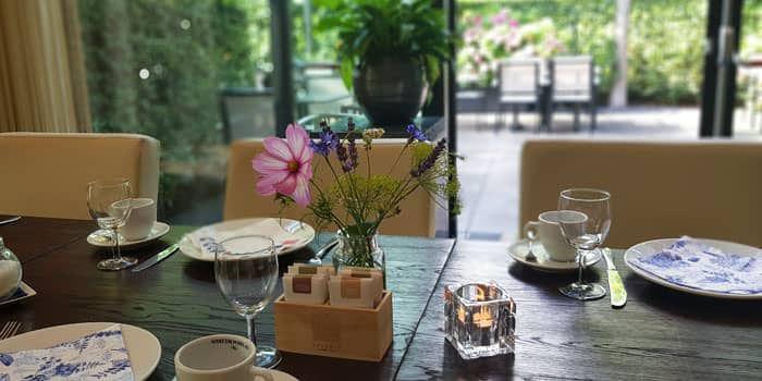 Een bloemetje voor de Brabantse koffietafel