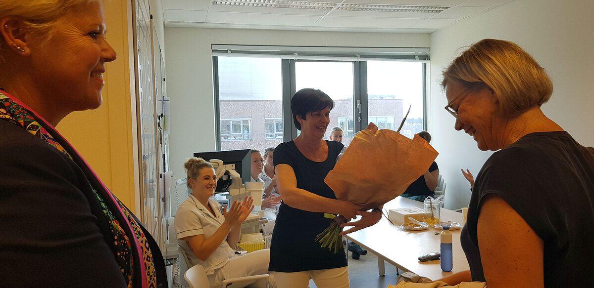 Adri van den Bergh (Dunweg), Verpleegkundige Ria Bos, Mariëtte Sanders (Dunweg)