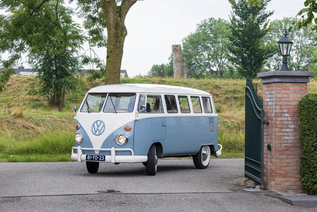 Dunweg heeft een nieuw (oud) Volkswagenbusje als rouwvervoer